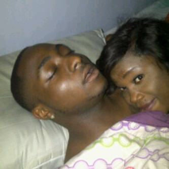 Davido spotted in bed with a new 'sonia'?