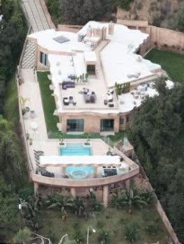 Rihanna Acquires $12million Pacific Palisades Mansion
