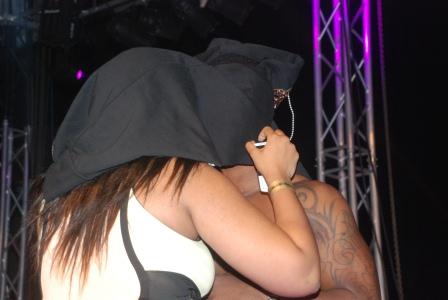 KISS OF LIFE- Iyanya kissing a fan on stage