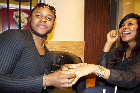 Yemi Sax proposes to girlfriend
