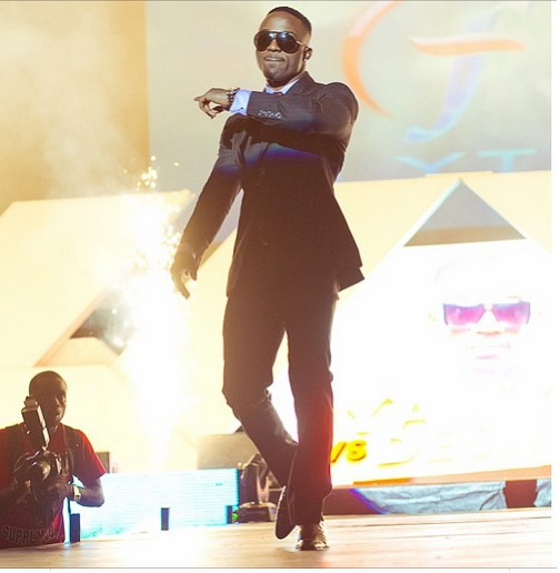 Iyanya on suit, sexy or sexy