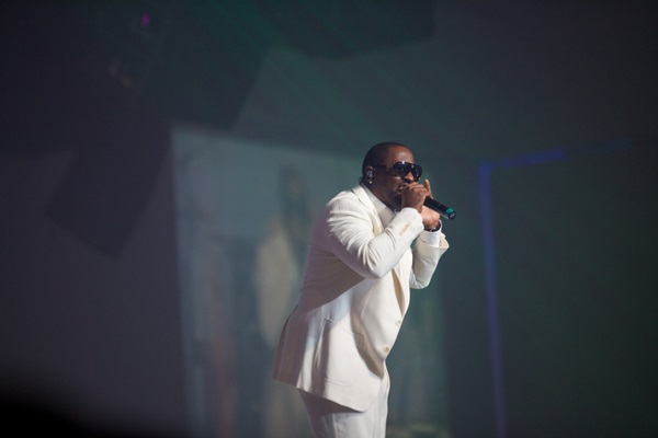 Johnny Gill Performing BUTTERSCOTCH EVENINGS