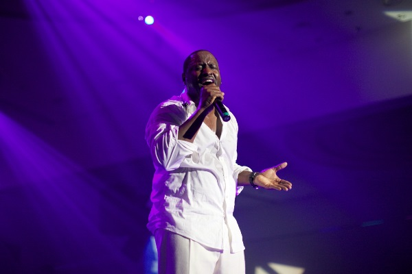 Johnny Gill's Performance