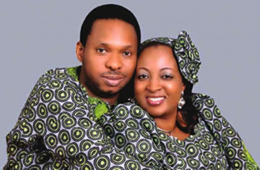 Alariwo and wife