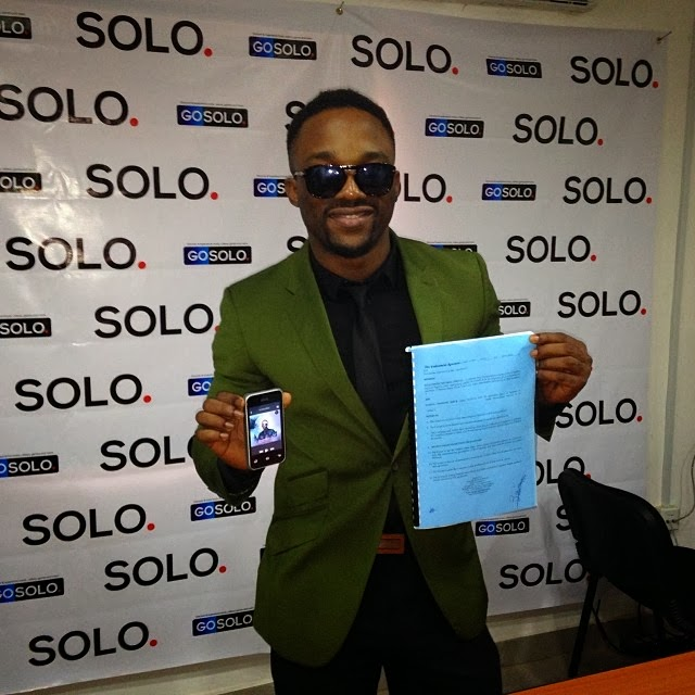 Iyanya signs N35m new endorsement deal with Solo Phone