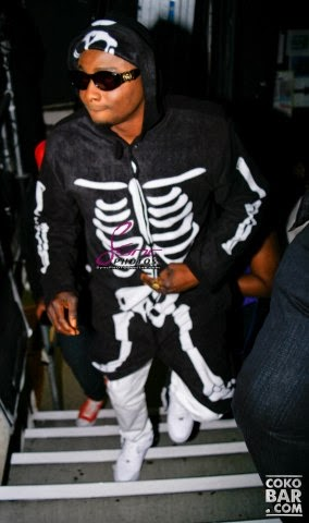 Sean Tizzle's Skeleton Inspired Outfit