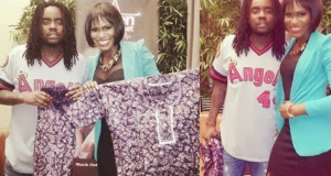 Yvonne Ekwere gifts US rapper Wale with an Ankara outfit