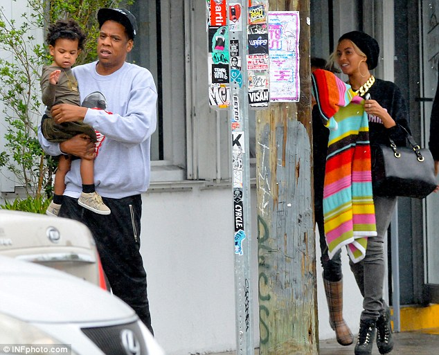 JayZ & Beyonce spotted with Blue Ivy