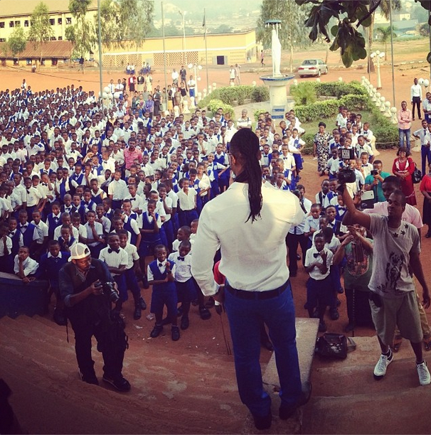 Flavour visits his alma mater