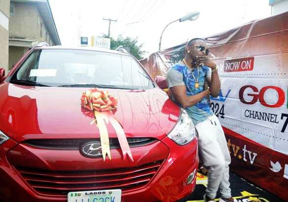 Sean Tizzle gets his N6.5m SUV from The Headies