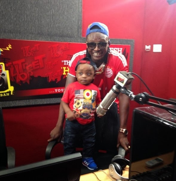 Terry G shows off his cute son