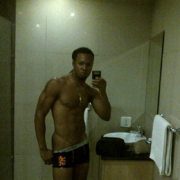 Flavour shares REVEALING Bathroom Selfie