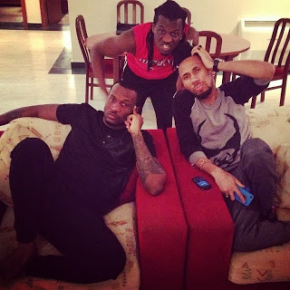 Psquare chilling with Phyno