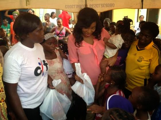 Chika Ike gives gifts to less privileged kids during Easter NaijaVibe