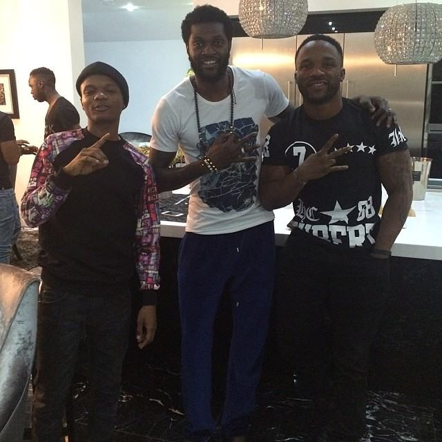 Emmanuel Adebayor hangs out with Wizkid & Iyanya