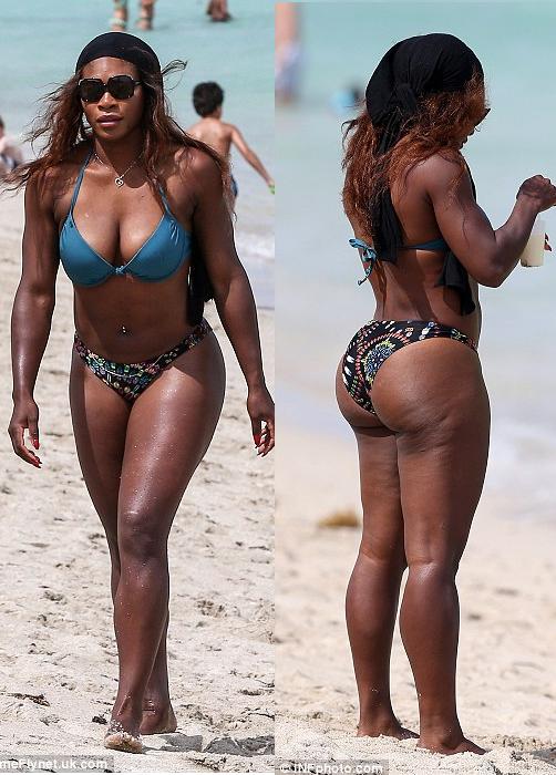 Serena Williams shows off booty in bikini