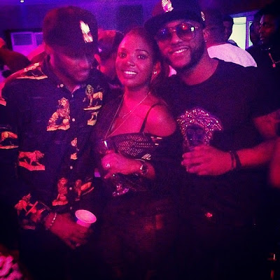 Tuface Idibia caught staring at his wife's boob