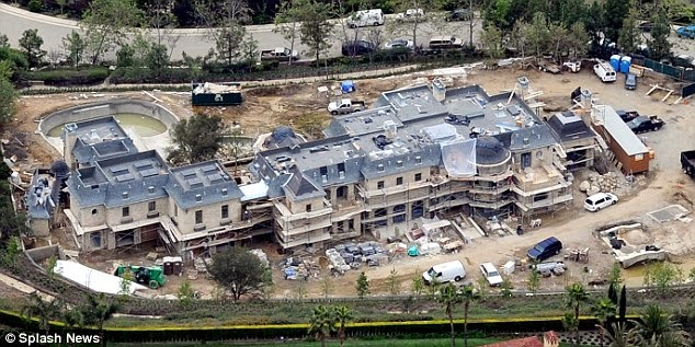 Dr Dre buys new house for $40 million days after signing deal with Apple