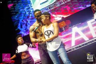 Iyanya and Chidinma loved up on stage