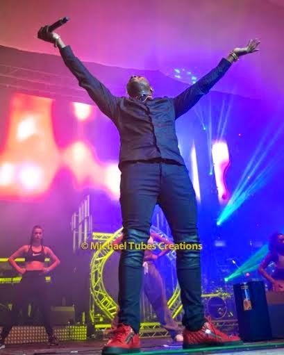 Davido at the African Unplugged show