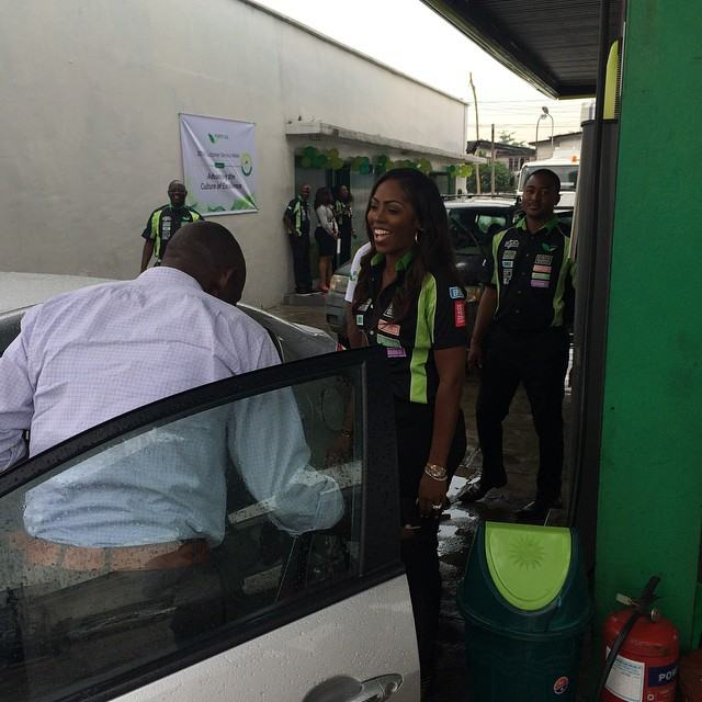 Tiwa Savage working as fuel station attendant at Forte Oil