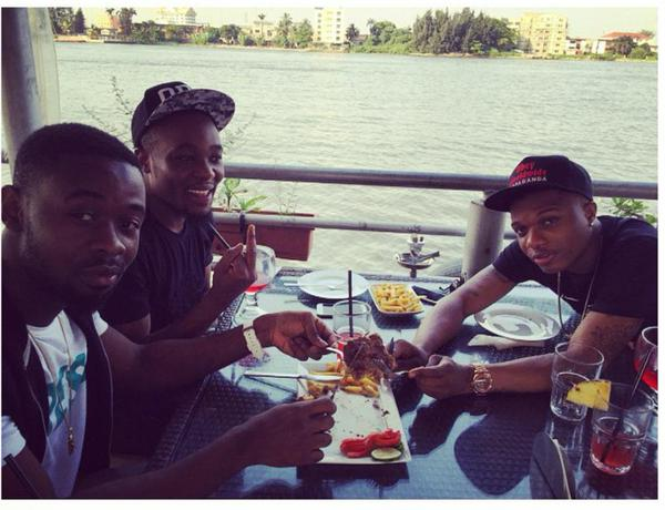 WizKid and Sarz pictured eating together