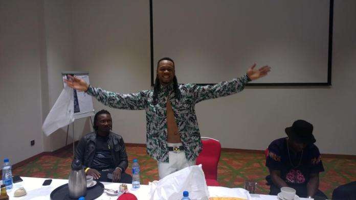 Flavour backstage - The Glo CAF awards 2015