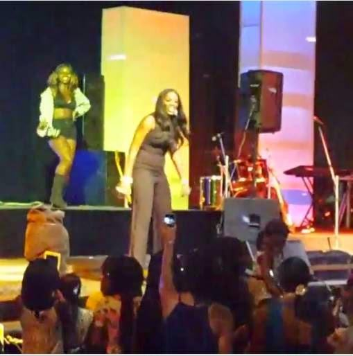 Pregnant Tiwa Savage rock the stage with her baby bump