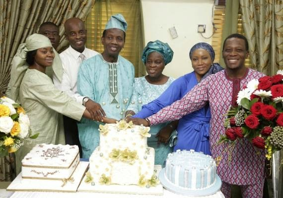 Pastor Adeboye cuts his birthday cake with his wife & kids