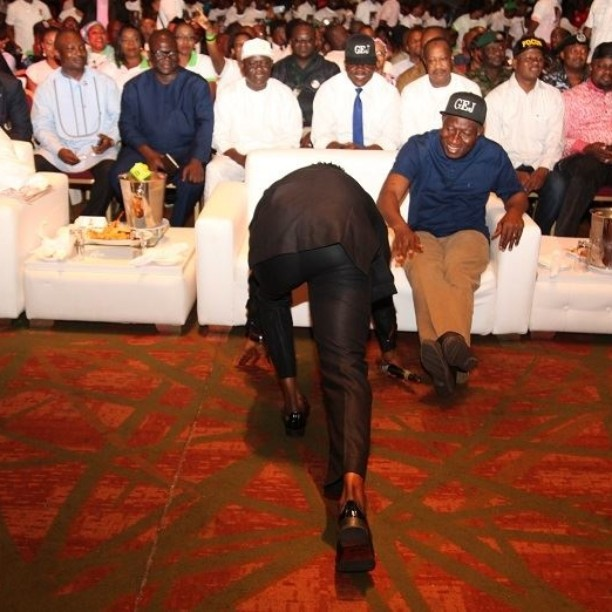 Sean Tizzle prostrates for President GEJ