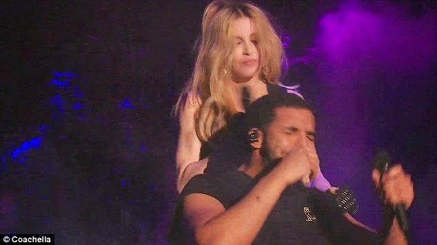 Drake's reaction after Madonna french kissed him on stage