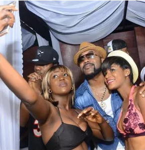 Banky W - Quilox Ultra Pool Party