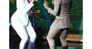 Yemi Alade & Project Fame winner Jeff perform