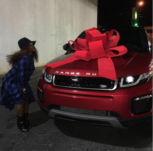 Lil Wayne gives daughter a 2016 Range Evoque for 17th birthday