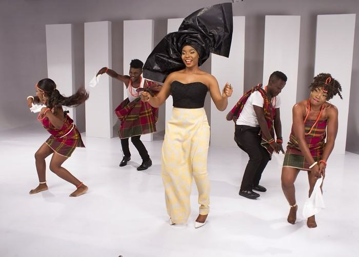 BTS Photos From Yemi Alade's 'Na Gode' Video Shoot