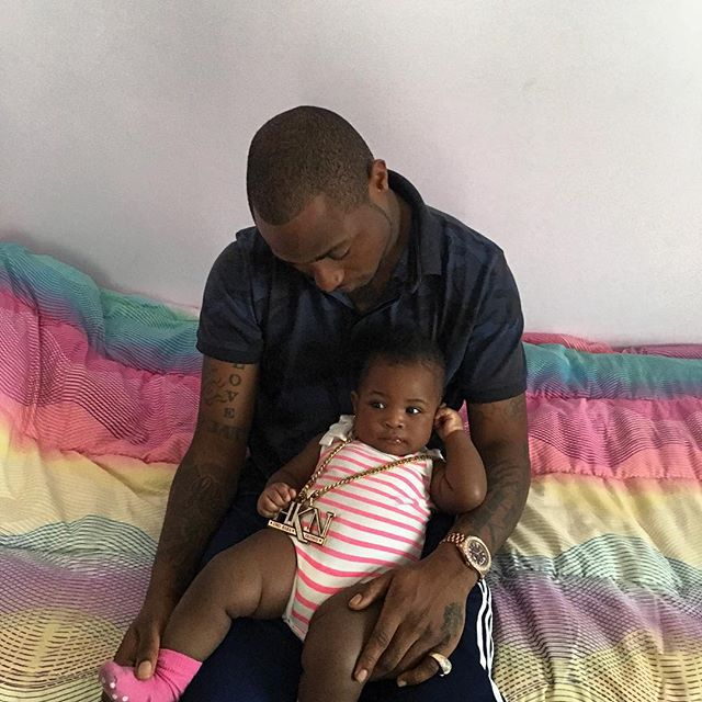 cute pic of Davido with his daughter