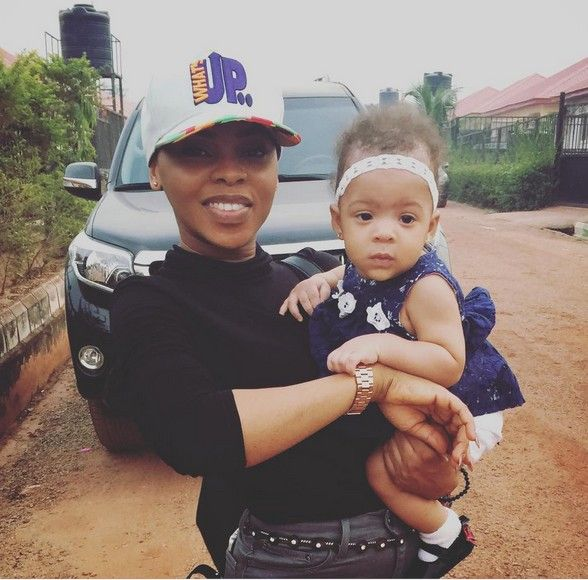 Chidinma with Flavour & Anna Banner daughter