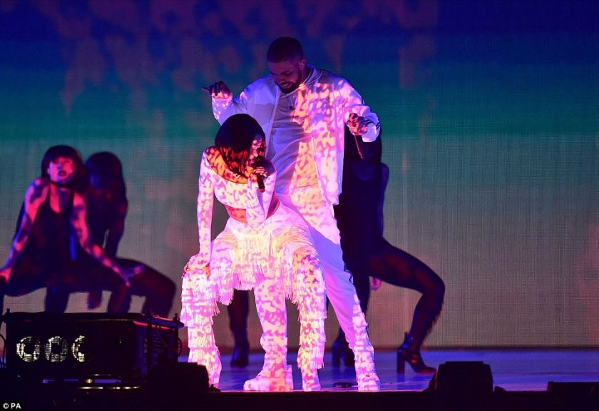 Rihanna Twerks Up A Storm During Performance With Drake At The Brit Awards