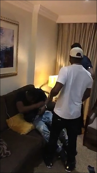 Davido Spotted Fighting & Beating A Fan To Stupor In London