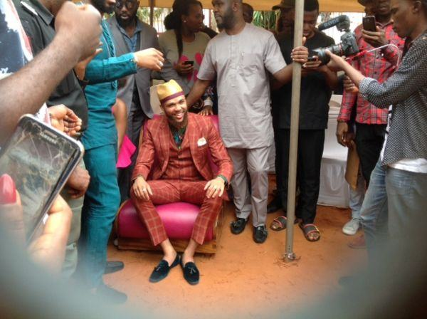 Jidenna Visits His Primary School In Enugu
