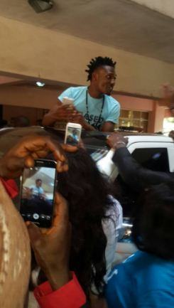 Efe Welcomed By Large Crowd In Abuja