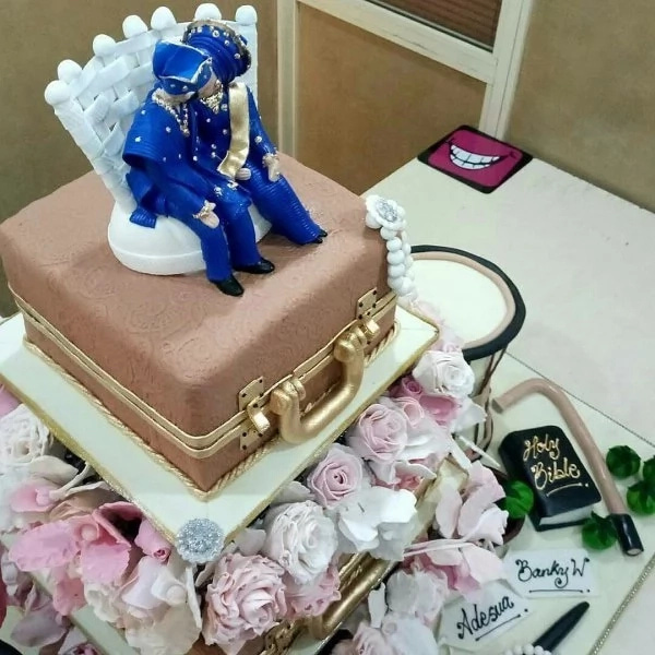 Banky W Adesua Etomi traditional wedding cake